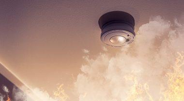 Smoke detector sensing fire